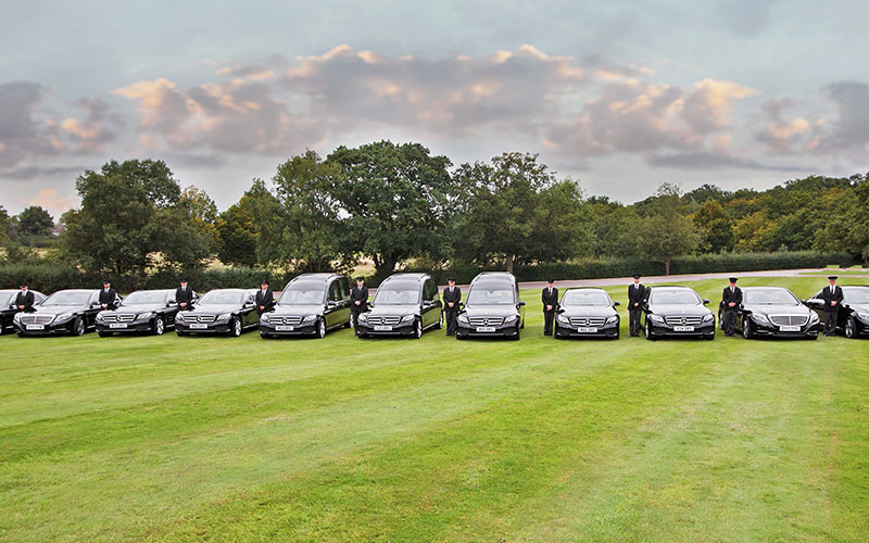 d-robinson-inset-image-funeral-conductors-with-vehicles-funeral-fleet