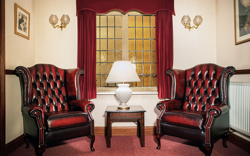 d-robinson-inset-slider-image-funeral-home-harlow-interior