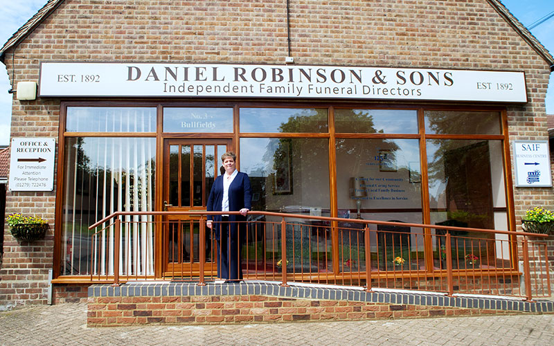 d-robinson-inset-image-sawbirdgeworth-exterior-staff
