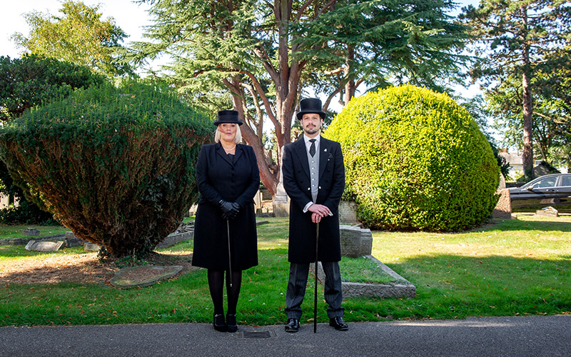 d-robinson-inset-slider-image-halstead-staff-funeral-conductors